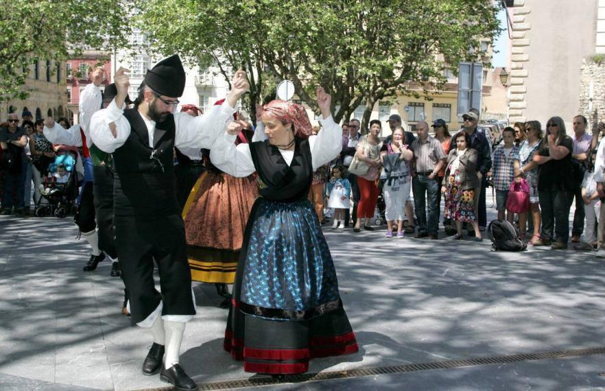 Baile tradicional asturiano